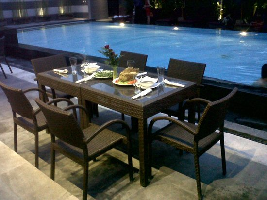 The Banyumas Villa: Our table for the party