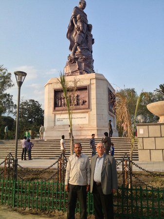 Gandhi Maidan: From Farther Out