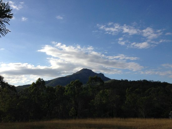 Barney Creek Cottages : Mt Maroon