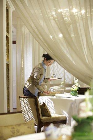 Man Fu Yuan semi-private dining area