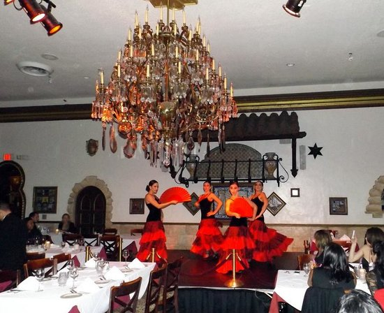 Columbia Restaurant: Some of the many dancers