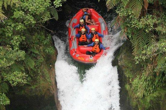 Raftabout Rotorua : cascata 7 metri