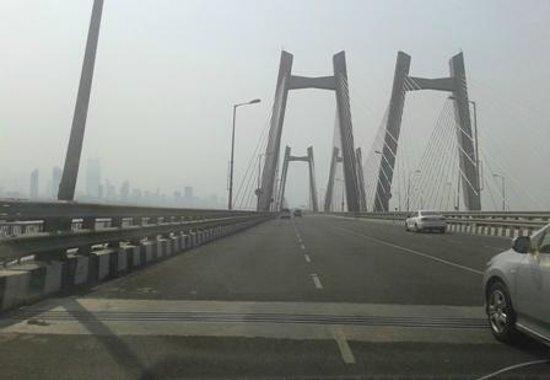 Bandra-Worli Sea Link: Drive through the Bandra Worli Sea Link Mumbai