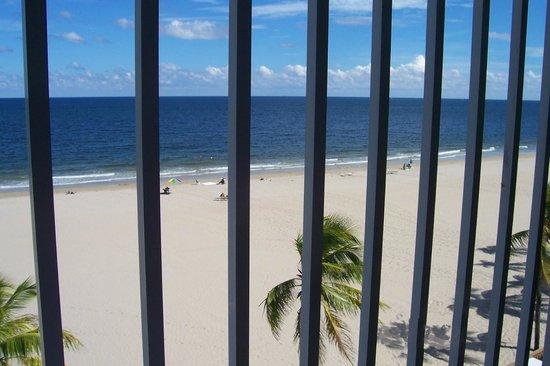 Florida Beach Hotels: through the balcony
