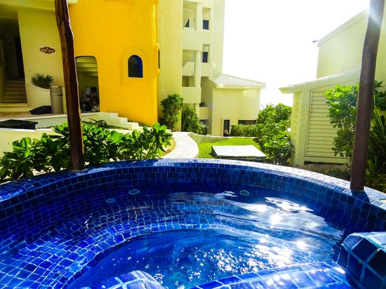 NYX Hotel Cancun: Джакузи