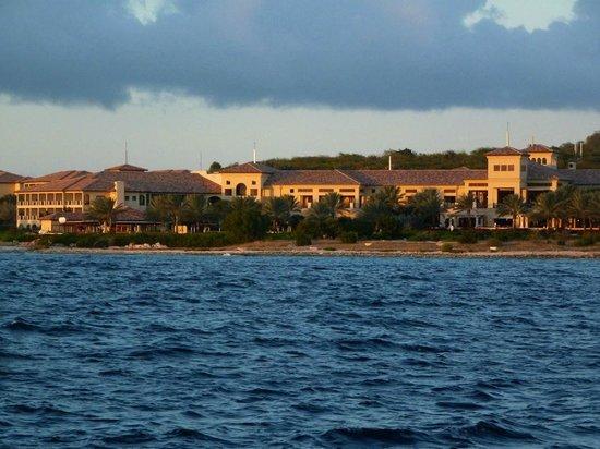 Santa Barbara Beach & Golf Resort, Curacao: Santa Barbara view from the sea