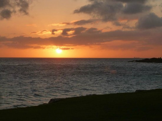 Santa Barbara Beach & Golf Resort, Curacao: Sunset from Shore restaurant