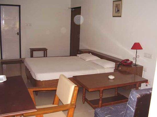 Karthiyayini Hotel : Rooms
