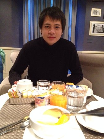 c-hotels Club : Happy daily breakfast before taking off