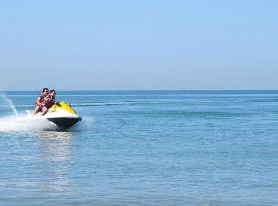 Cove Rotana Resort Ras Al Khaimah: Jetski