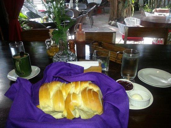 Bag of Beans Cafe and Restaurant: Bread Basket