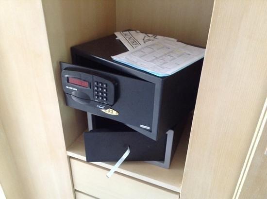 IndoChine Resort & Villas : safety boxe(s)