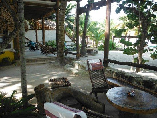 Holbox Hotel Mawimbi : Lovely grounds