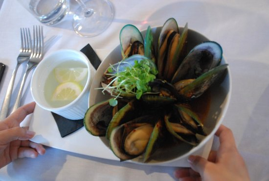 River Restaurant and Vineyard : mussles