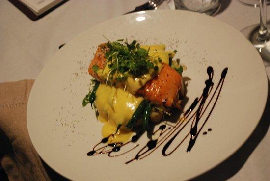 River Restaurant and Vineyard : dinner