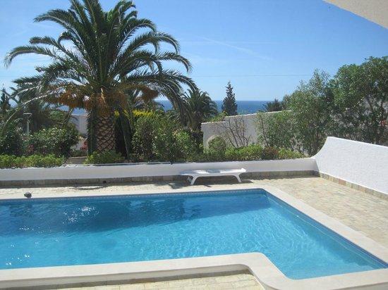 Villa M6: Zimmer zum Pool