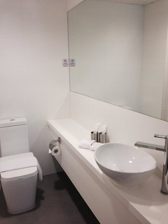 Hotel Rainbow Hong Kong : Bathroom