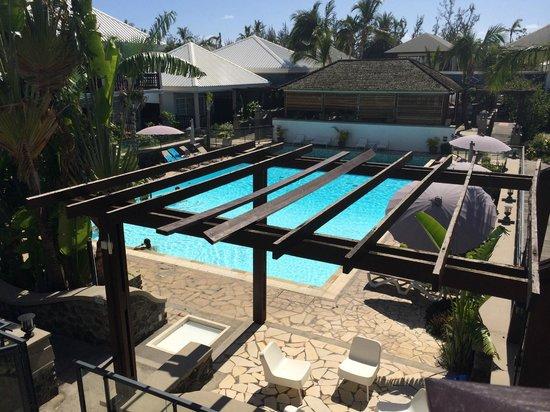 Hôtel Les Créoles : Vue sur la piscine