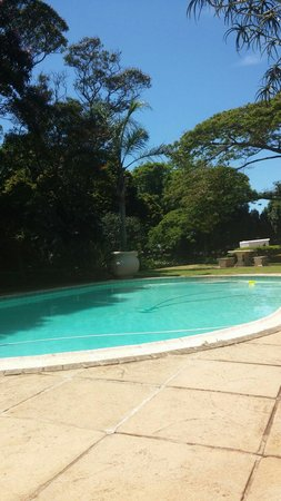 Valley Lodge: The pool (the hose just cleans the pool)