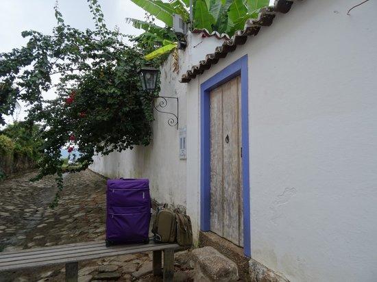 Pousada Casa de Paraty: Боковой вход