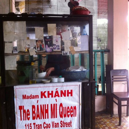 Madam Khanh - The Banh Mi Queen : Banh mi queen