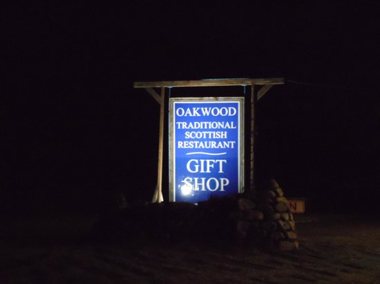 Oakwood Restaurant : Sign