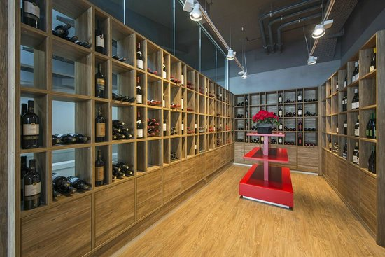 Brasserie Le Bec : Our Wine Cellar