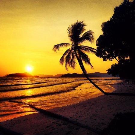 Ao Kao White Sand Beach Resort: Sunset.