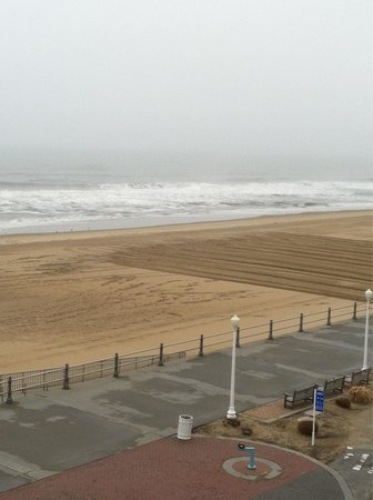 Best Western Plus Virginia Beach : Beach from balcony