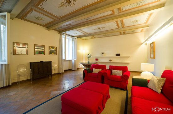 Incentrum: Vittoria 64 - Fresco Apartment