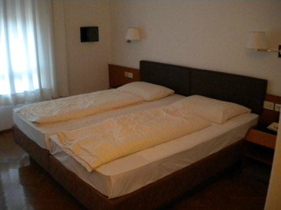 Hotel Adria: letto