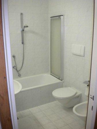 Hotel Adria: bagno