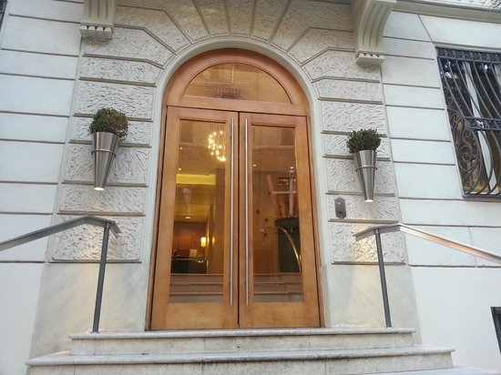 Capo d'Africa Hotel: Front entrance