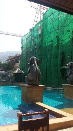 Nipa Resort: a la piscine