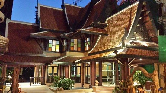 Nipa Resort: entrée de l'hotel
