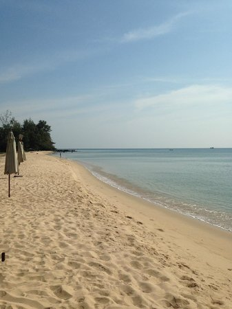 Freedomland Phu Quoc Resort: 12 min walk to beach