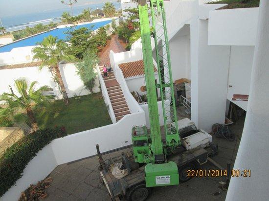 ClubHotel Riu Tikida Dunas : The crane in full capacity