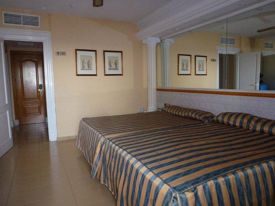 Playacapricho Hotel: habitación