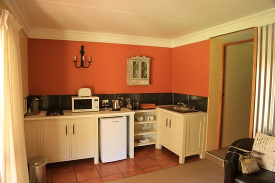 The Clarens Country House: Kitchen