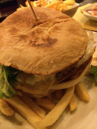 Legend Pub: energy burger