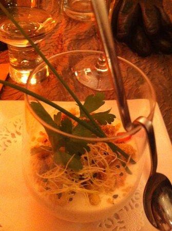Sisco: La panacotta chèvrebasilic avec fondue d'aubergine tomates