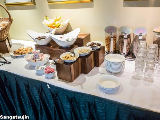 Carlton George Hotel: Buffet