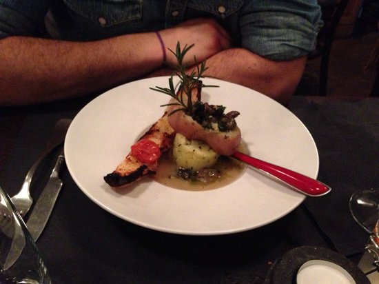 Restaurant Clin d'Oeil : Escargot et son pain à l'ail confit