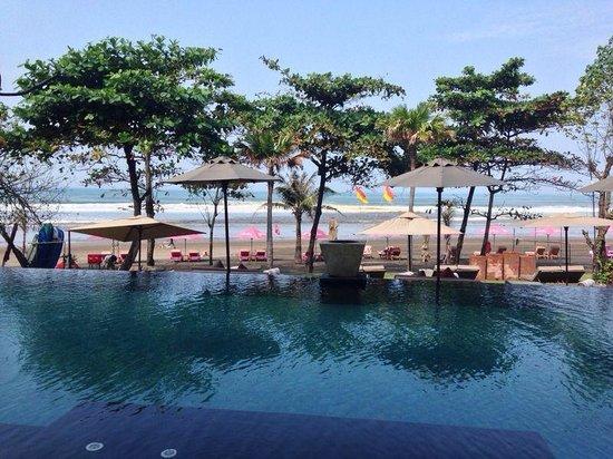 Anantara Seminyak Bali Resort: Infinity Pool