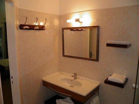 Appart Hotel Marina : Salle de bain