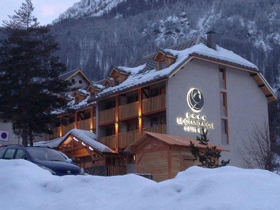 Le Grand Aigle Hotel : La Grand Aigle Hotel, Villeneuve Serre Chevalier in the snow