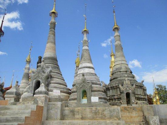 Dorf Indein: gerenoveerde pagode