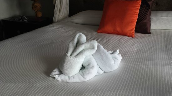 Luv Tulum: Towel rabbit