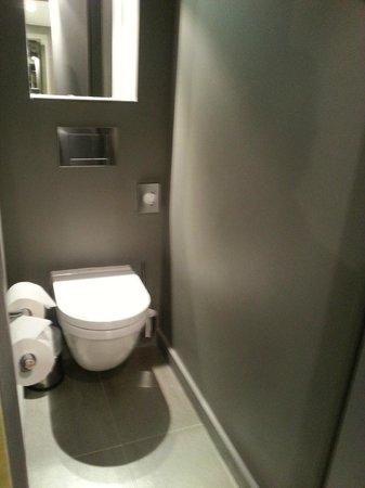 Hotel 7 Eiffel : The WC