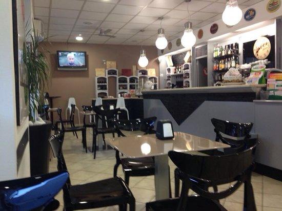 2. 22 Cafe: Il bar